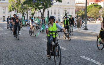 Bicicletada contra o TCE